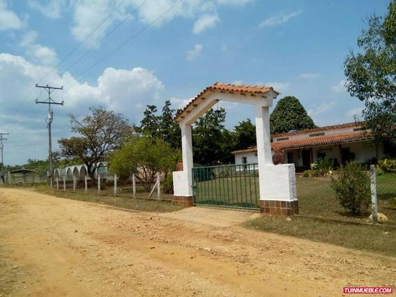 Terreno Con Bienhechurias En Barrera. (gut-6)