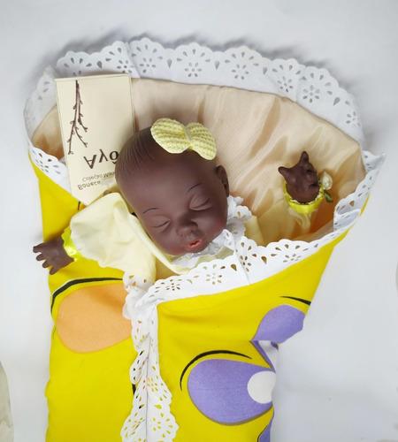 Boneca Negra Bebê Fantoche Ayô