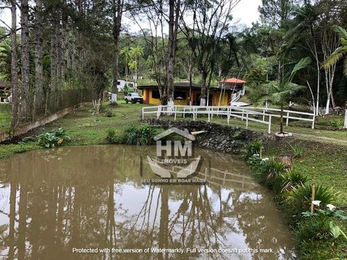 Imagem 1 de 11 de Chácara Com Bela Casa, Com Linda Piscina E 2 Belos Lagos