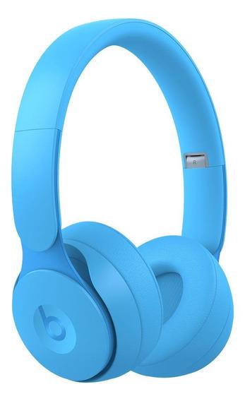 Fone de ouvido sem fio Beats Solo Pro light blue
