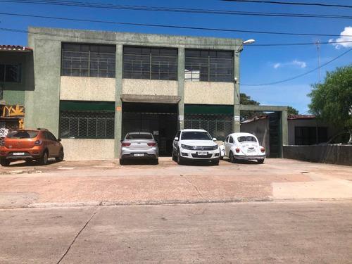 Local Deposito Excepcional Cno. Carrasco Y P. Cossio
