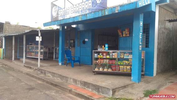 Local En El Peaje De San Felix
