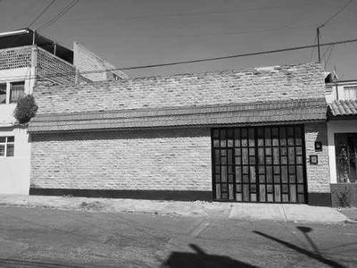 (crm-3423-1232) Venta De Casa Sola, Col. Sanchez, Toluca