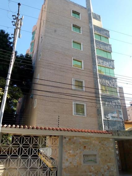 Apartamento En Obra Gris En La Soledad / Marelys Valero