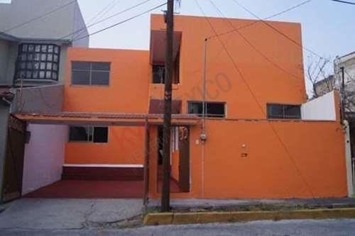 Casa En Renta Para Oficinas, En Cerrada, En Lomas Del Huizachal $23,000