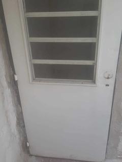 Puerta Exterior Izquierda De Chapa Usada Con Marco De Chapa