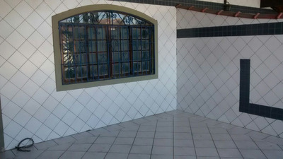 Casa Locaçao Bal. Maracana 1.200,00 Reais