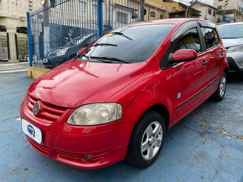 Imagem 1 de 10 de Volkswagen Fox 1.0 Route Flex 2009 - Versão Especial