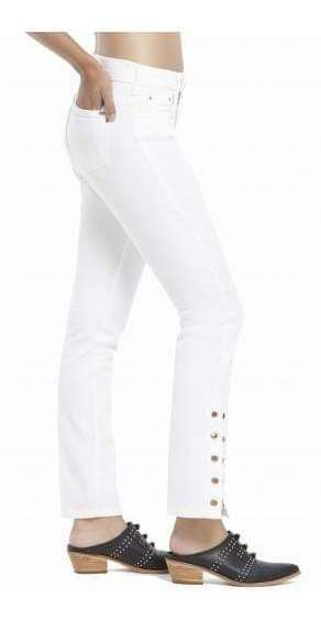 Jeans Blanco Con Ojalillos En Bota Manga Ossira