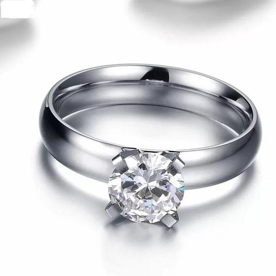 Conjunto De Anillo De Compromiso Y Argollas De Matrimonio