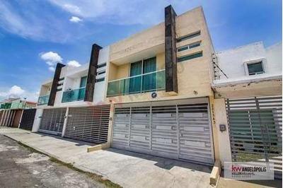 Casa En Venta Zona Udlap A Unos Metros De Periférico Y Recta A Cholula.
