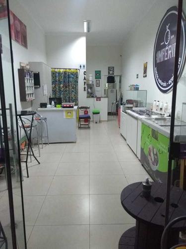 Loja Montada De Açaí, Soretes E Café