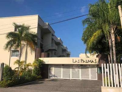 Venta De Condominio Con 2 Rec. Y Alberca, A 5 Cuadras Del Malecón De Vallarta