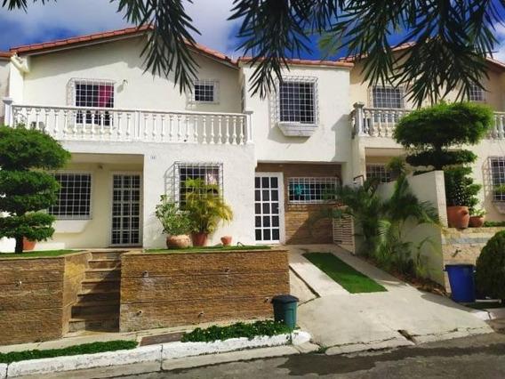 Casa En Venta Zona Este Barquisimeto Lara 19-15544