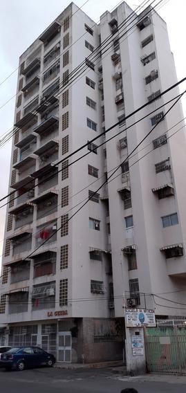 Apartamento En Av Bolívar De Maracay. Cod415333. Glory G.