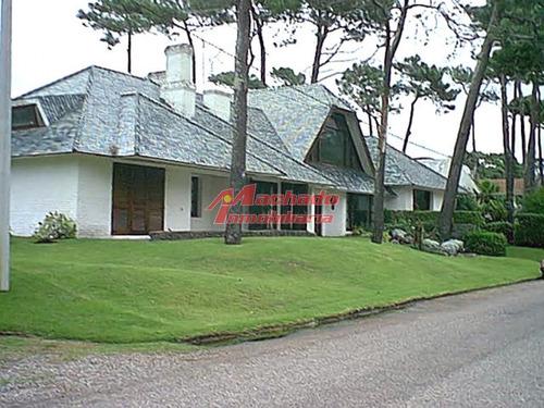 Casa En Punta Del Este, Mansa- Ref: 3900