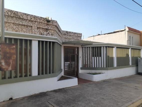 Casas En Venta En Maracaibo, Atgt. Mls.20-3602 Las Lomas
