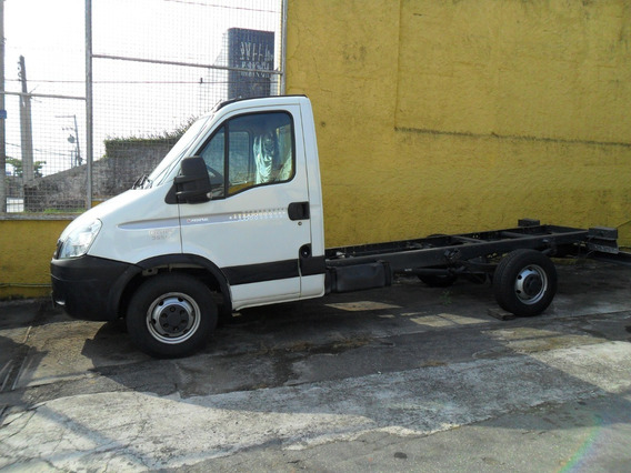 Iveco Daily 35s14 Ano 2013 Chassi