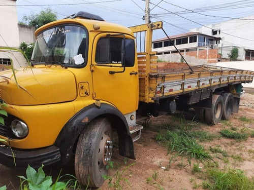Mb 1113 Truck 6x2 Ano 1980 Com Carroceria.