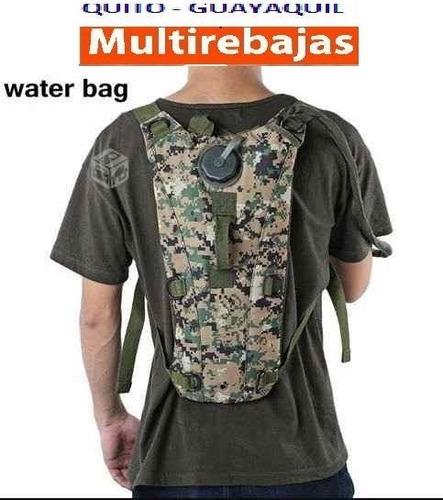 Mochila Camelback 3 Litros Agua Pixelada Militar Negra
