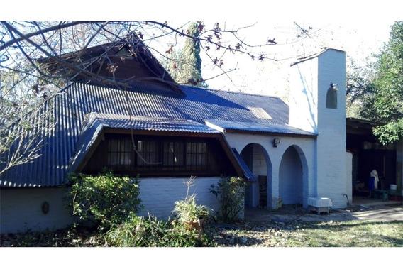 Casa Con Jardín Y Piscina Dentro De El Cazador