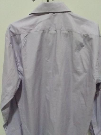Vendo 2 Camisas Talle M.. Excelente Estado 2 Veces Usadas..
