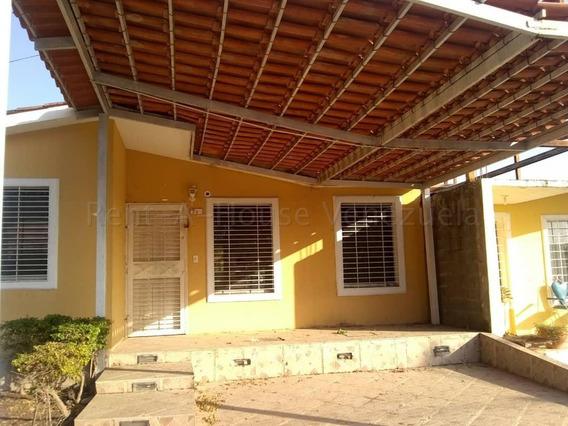 Casa En Alquiler En Norte De Barquisimeto #20-9946