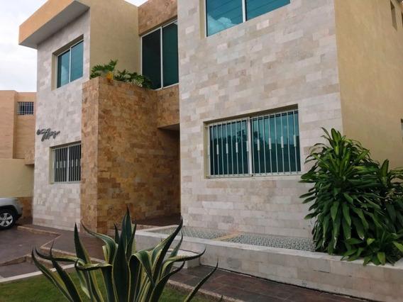 Casa En Venta, 4 Hab, 5 Baños, 2 Puestos Estacionamiento