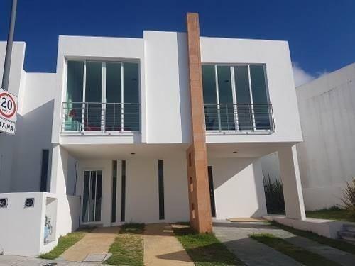 Casa De 4 Recamaras En Zibata