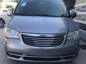 Chrysler Town & Country 3.6 Touring Aut 2014 Plata