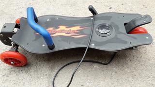 Skate O Patineta Electrica Con Cargador Sin Baterias