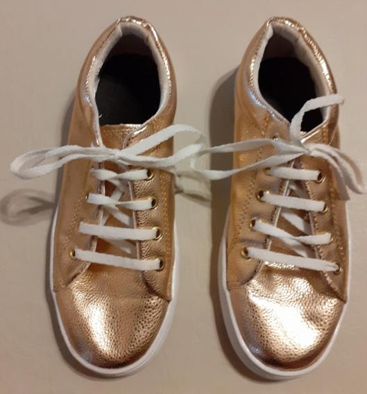 Zapatillas Para Mujer Color Dorado.
