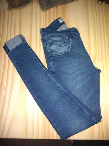Pantalón De Buen Calce, Como Nuevo. Color Azul Con Detalles.