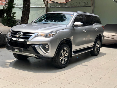 Toyota Hilux Sw4 2.7 Srv 7 Lugares 4x2 16v Flex 2018/2019