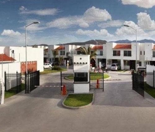 Se Renta Casa Amueblada En Puerta De Piedra