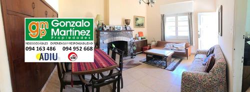 La Paz. Venta De Confortable Casa En Buena Ubicación.