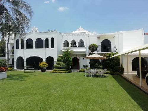 Casa En Fraccionamiento En Palmira Tinguindin / Cuernavaca - Cam-1630-fr