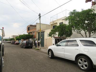 Venta En Bodega Con Inquilino En Querétaro Lomas De Casa