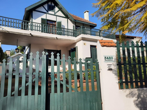 Venta Prado  Hermosa Casa De  Estilo -calle Buschental