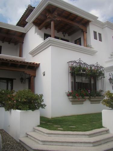 Lujoso Apartamento En Venta, Residencial El Calvario Antigua