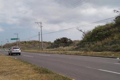 Terreno De 3.4 Hectáreas A Pie De Carretera Federal Antón Lizardo