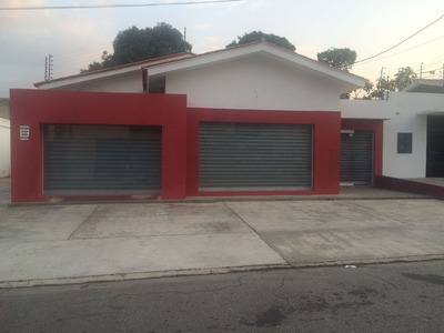 Se Alquila Casa Comercial Totalmente Actualizada!!!