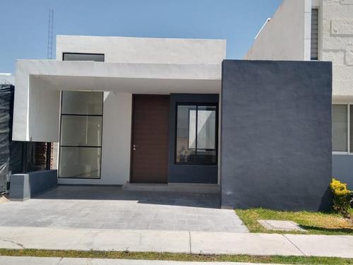 Imagen 1 de 12 de Casa Sola En Venta Bosque Sereno