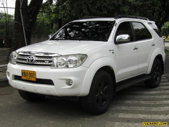 Toyota Fortuner Sr5 4000 Cc At 4x4