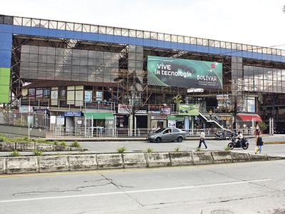 Vendo Excelente Y Economico Local Cc Bolivar Armenia