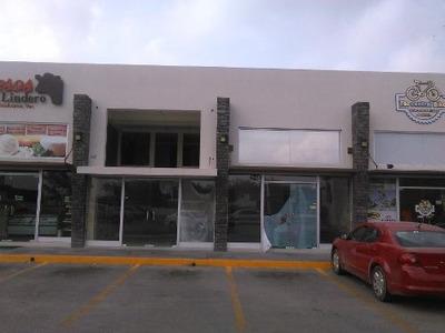 Local En Renta En Avenida Universidad.