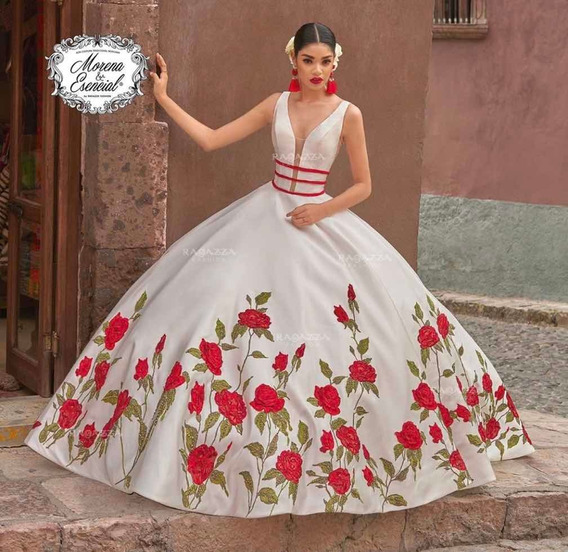 Vestido Charro De 15 Años, Blanco, Flores Rojas, Bordado.