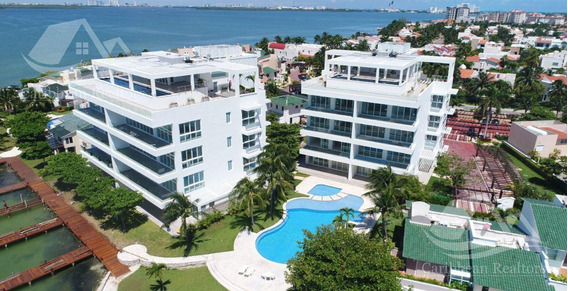 Departamento En Venta En Cancun/zona Hotelera/isla Dorada/isla Nautica