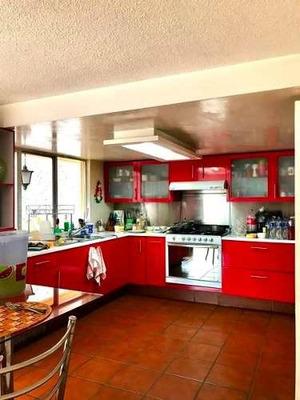 Casa En Condominio Con Excelentes Espacios Y Mucha Luz.