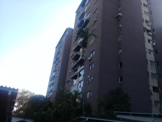 Apartamento Venta Urb. Terrazas Del Club Hipico Cod. 19-3224